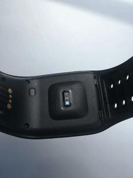 015a7fcd68 心拍数は本体裏側にセンサーが配され、心拍ベルトを使用することなく、計測が可能となった