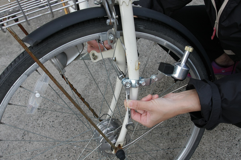 ... 「USB自転車ダイナモ充電器