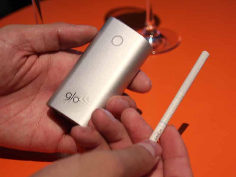 灰が出ず、ニオイも少ない次世代の電子タバコ「glo(グロー)」が日本で先行発売 , 家電 Watch