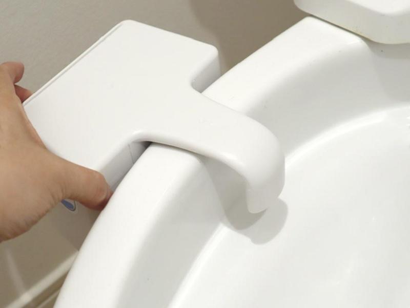 サンコー、掃除がラクになる「後付けトイレバブル洗浄機」 - 家電 Watch
